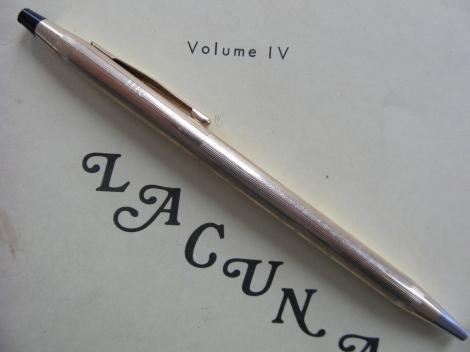 Gray Gold Pen 2